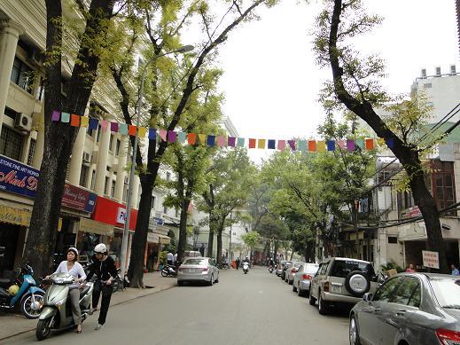 Đón Taxi Nội Bài về Hàng Trống Hà Nội.Giá:250k/xe 4 chỗ