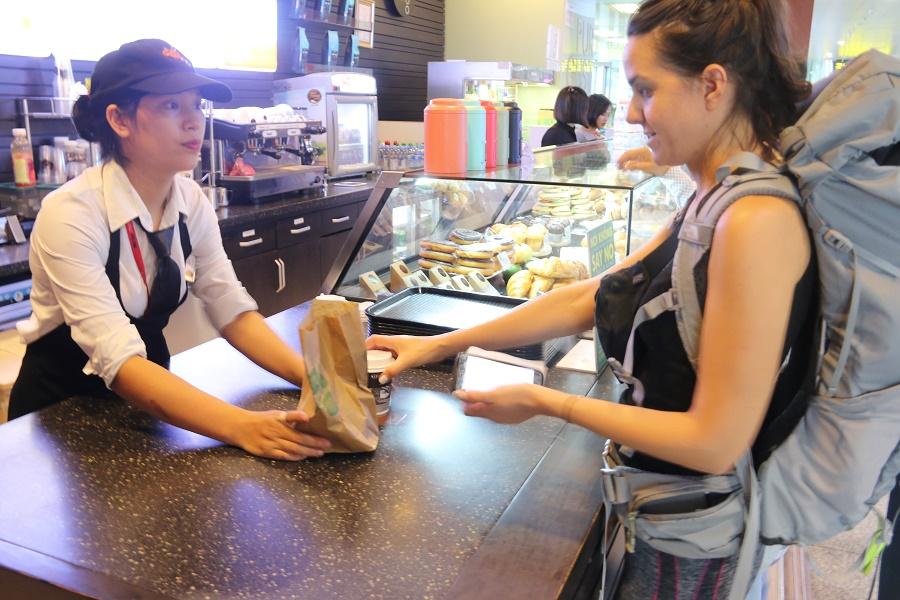 Dịch vụ ăn uống trong sân bay Nội Bài-Taxi Nội Bài