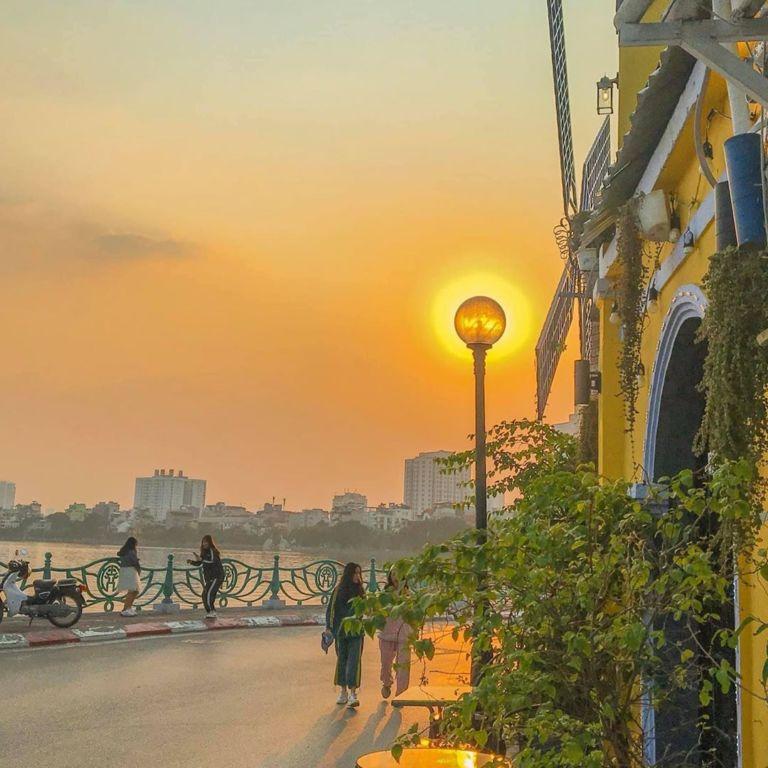Taxi Nội Bài đi Quảng An Tây Hồ Hà Nội 250.000đ xe 4 chỗ